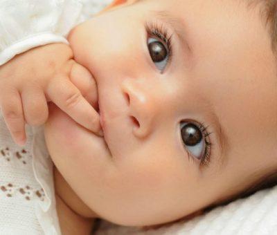 gli occhi dei neonati